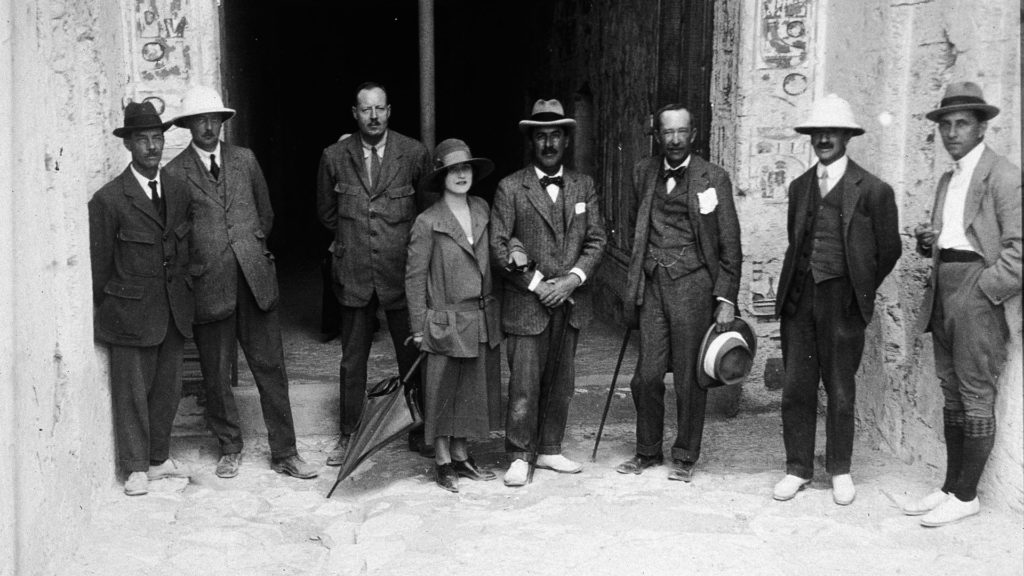 Howard Carter & Lord Carnarvon at the tomb's entranc.jpg